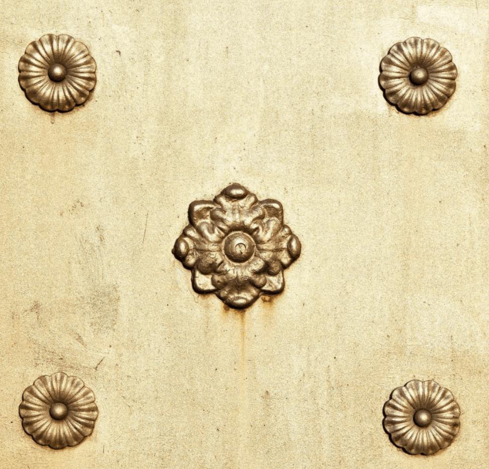 kolekce květin z mosazi