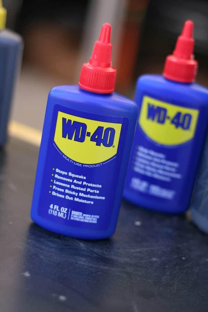 2 kapátka WD-40
