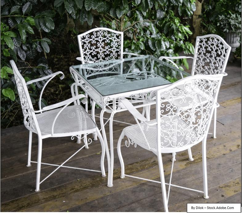 Jak zabránit vzniku rzi na kovových terasových židlích